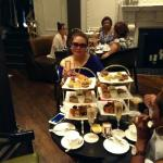 the table was too small for 4 guests as you can see with this 2 tower of treats :(((P