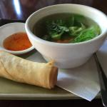 Vegetable soup and spring roll
