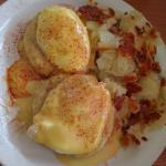 Eggs Benedict! Super delicious!!!