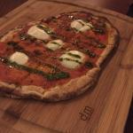 맛없는 탄 피자