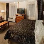 Photo de Staybridge Suites Toronto