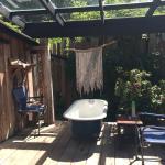Sublime outdoor bathtub!