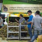 Jangan Bilang Pernah ke Medan !!! Kalau Belum Mampir ke Ucok Durian