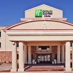 Photo de Holiday Inn Express Hotel & Suites Clovis