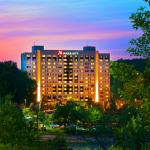 Our Coraopolis hotel is near downtown Pittsburgh's top attractions