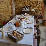 une fort jolie table pour le petit déjeuner
