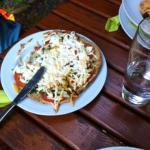 überbackenes Fladenbrot vegetarisch