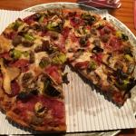 Paul's special pizza w/o anchovies