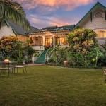The Old Wailuku Inn and its Hawaiian Garden