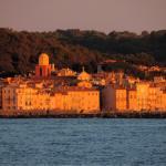 Balkonansicht auf den Sonnenuntergang in Saint Tropez