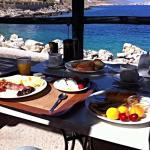 Terrasse extérieure pour petit déjeuner