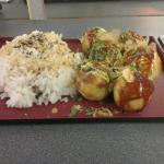 Menu tako (avec les 6 tako le riz assaisonné parfaitement a mes goût)
