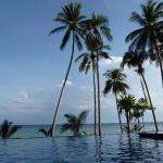 Uitzicht vanuit het zwembad (zout water)