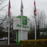 Entrance to the Holiday Inn.