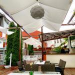 Vine Summer Garden & Grill