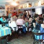 Photo de Town Crier Restaurant