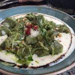 Gnocchi de Albahaca en Salsa de Quso con Piñones