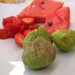 frutta e dolci a volontà