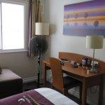 Foto de Premier Inn Pontypool Hotel