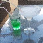 """Deux cocktails improbables : un """"mojito"""" (un diabolo menthe quoi) et un """"daiquiri"""""""