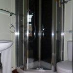 Double en suite shower