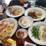 Crab legs, seafood pasta, halibut, crab cakes....all very good!