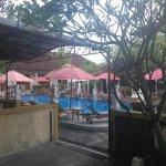 Foto de Warung Coco Guesthouse & Bungalows