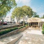 Hotel/Pavilions Slaven