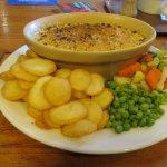 Leek and mushroom crumble with sautéed potatoes