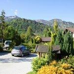 Estacionamento com vista para os Alpes