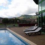 Vue sur Millau depuis l'espace bar/piscine
