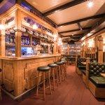 Sina's Pub Apero and cocktails