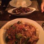 boeuf thai et nouilles sautées poulet