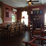 The adjoining dining room before it filled with people!