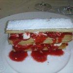 notre dessert, millefeuille à base de fraises ! un délice !