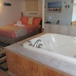 Queen Suite with Jacuzzi Spa