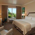 Photo de Holiday Inn San Diego-Bayside