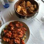 ズキーニとナスのオリーブオイル炒めにサルサソース、ロールキャベツ