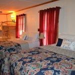 Smokey View Cottages & RV Resort Park