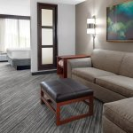 Hyatt Place Louisville-East resmi