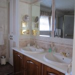 Double sinks and large mirrors
