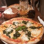 I am always satisfied with the pizza there,
