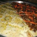Pizza 5 queijos e filé na manteiga com cheddar!