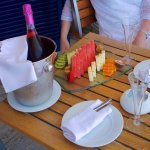 Fresh fruit and sparkling wine welcome!