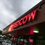Foto de Red Cow Restaurant