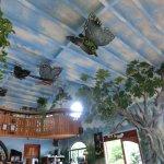 Beeindruckende Decken- und Wandgemälde