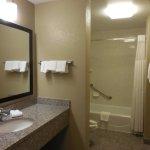 Photo de Drury Inn & Suites Cincinnati Sharonville