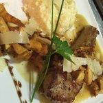 Côte de veau aux girolles, risotto et copeaux de parmesan