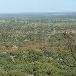 Weiter Blick von der Terrasse des Bungalows