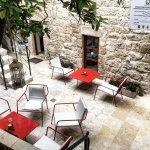 Fawda Cafe and Restaurant